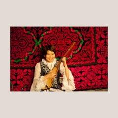 キルギスの伝統音楽 コムズの演奏