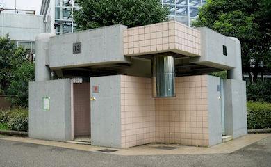 上野公園内トイレ13