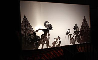 インドネシアの伝統芸能「ジャワの影絵芝居ワヤン・クリ」
